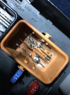 ABS problem on Peugeot 207 no communication with Anti locking braking system water ingress new fuse box archives pk automotive solutions peugeot 207 water in fuse box at readyjetset.co